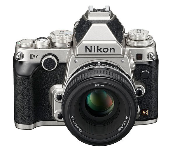Nikon Df – front view